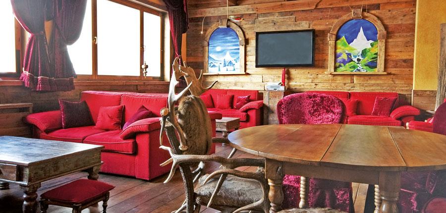 Italy_Cervinia_Hotel-Punta-Maquignaz_lounge-bar.jpg